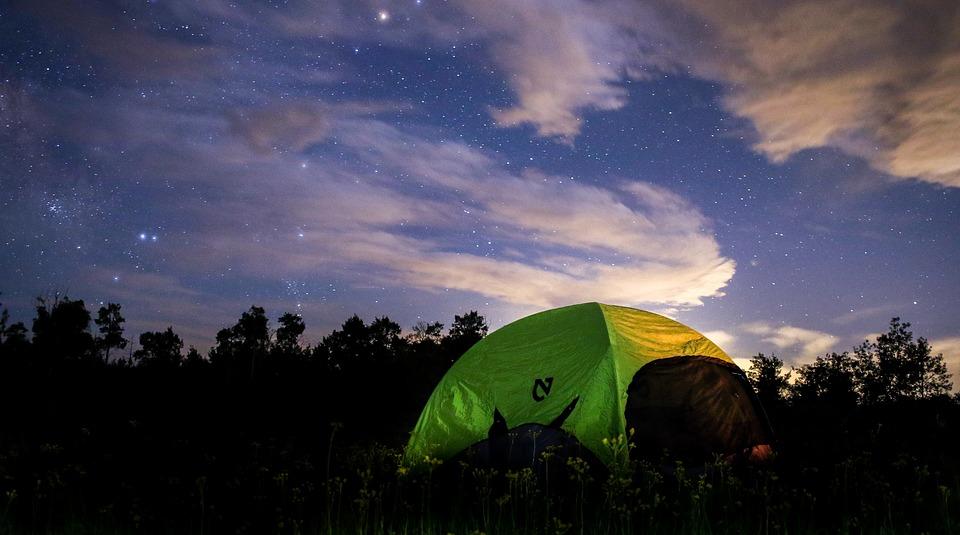 Dans quel camping aller aux alentours de Saint Antoine l'Abbaye ?
